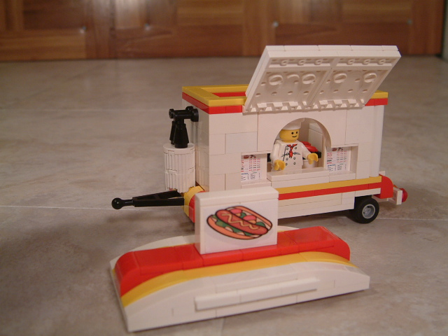 Fully furnished Lego Hot Dog Truck & Stand designed specifically to work in all Lego city sets and Lego vehicles.