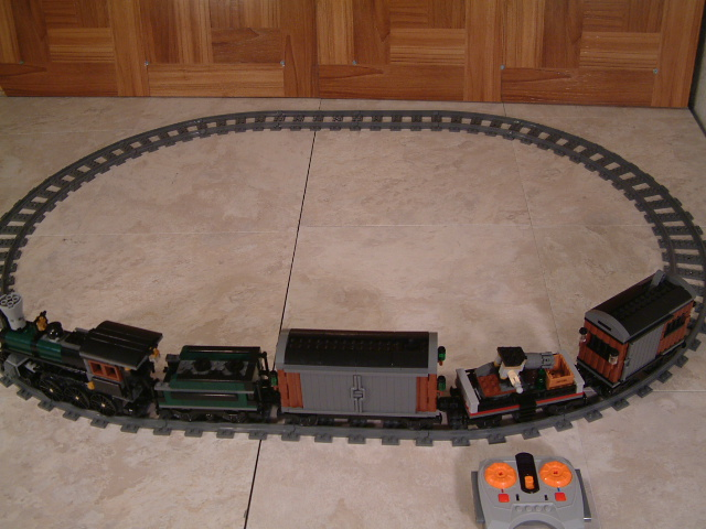 Motorized Lego Lone Ranger Constitution Train #71999 - Learn how to add an engine to the Lego Constitution train.