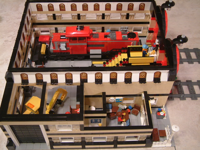 Lego 3677 Red Cargo Train