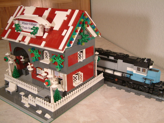 Custom Lego Winter Village train station - Modular Lego Winter Village train station - lego train station