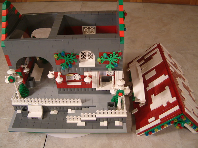 Lego winter village train station - Custom Lego train station - lego train station